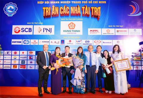 Phuc Khang lot top 100 doanh nghiep, doanh nhan tieu bieu 2020